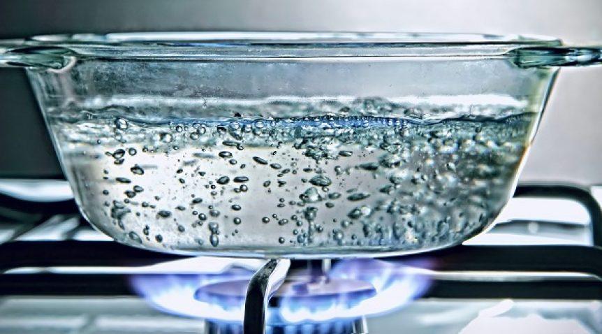 Có cần đun sôi nước trước khi lọc bằng máy không?